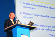 Norio Ichino, JGA Chairman, delivering a keynote speech