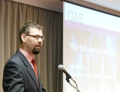 Mr. Laszlo Varro 's Presentation at the Japan Gas Association