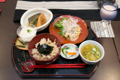 The meal entered in the contest by the Yoshinaga team.